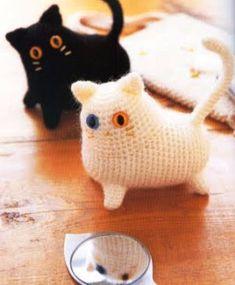 SO CUTE Crochet Amigurumi free pattern cat Crochet Diy, Chat Crochet, Crochet Mignon, Crochet Gratis, Crochet Amigurumi Free Patterns, Love Crochet, Crochet Dolls, Knitting Patterns, Yarn Projects