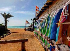 S u r f s U p ! . . . . . . #Africa #CapeVerde #Sal #Kaapverdie #CapoVerde #IlhaDoSal #Fun #Traveler #Traveling #Vacay #Vacation #Holiday #Travelling #Traveller #Wanderlust #Wanderers #Wanderer #Exploring #ExploringTheWorld #Girls #GipsySoul #GipsyLife #Adventure #LetsGoOnAnAdventure #Island #Adventurers #Friends #Photography #Focus #Caption
