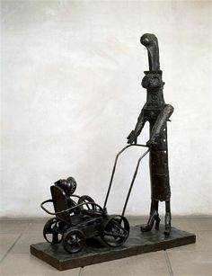 Pablo Picasso, The woman with the stroller, 1950, Bronze, Museum Picasso, Paris