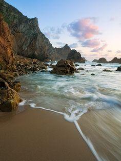 Ursa Beach, Sintra, Portugal | © copyright by Emmanuel Coupe