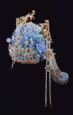 China | The Phoenix Coronet, Empress's hair piece from the Ding Ling Tomb || Credit: Zhang Shui Cheng