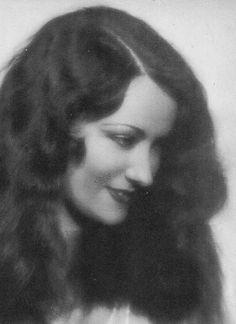 Gloria Swanson  c1923