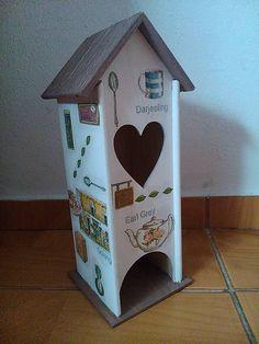 Čajovník s čajovými motívmi / Decorky - SAShE. Decoupage, Bird, Outdoor Decor, Handmade, Home Decor, Hand Made, Decoration Home, Room Decor, Birds