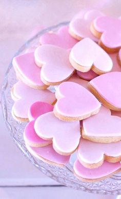 #Valentine's Day #pink #cookies #hearts #baking #DIY #crafts ToniK ℬe Meℜℜy