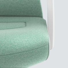 PURE INTERIOR Edition 12 #Türkis Mehr Design für dein #HomeOffice. Mit einer vielfältigen und hochwertigen Stoffauswahl und ihrem ergonomischen Design vereint die PURE INTERIOR Edition bequemes und ergonomisches Sitzen. Das Design und die Farbgebung des PURE machen ihn zu einem optischen Leichtgewicht. Farblich abgestimmt bringt er sich in das Home Office ein und kann sich gleichzeitig zurücknehmen. #schreibtischstuhl #arbeitszimmer #design #Stoff #interstuhl Home Office, Pure Products, Interior, Design, Office Home, Design Interiors, Home Offices, Interiors