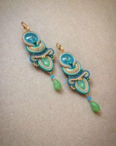 Soutache Earrings, Shibori, Turquoise Bracelet, Knit Crochet, Bling, Hands, Knitting, Bracelets, Fashion