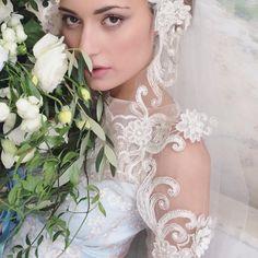 l'amore è cieco - xoxo #italy #iphonepic #loveisblind @lvlweddings #amore @invitingoc #photo #belladonna #elizabethmessina @villaterrazzasorrento #TBT @clairepettibone #italiangirl #travel