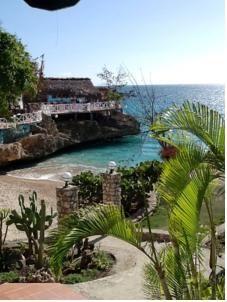 Dan's Creek Hotel, Port-Salut, Haiti