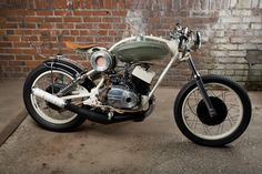 Cafe Racer, custom and classic motorcycles from around the globe. Featuring the world's top builders of custom motorcycles and Cafe Racers since Custom Motorcycles, Custom Bikes, Cars And Motorcycles, Yamaha Motorcycles, Honda Cub, Vintage Bikes, Vintage Cars, Vintage Cycles, Side Car
