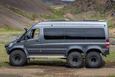 Sprinter on tires with fender flares. Mercedes Sprinter Camper, Sprinter Rv, Van Conversion Build, Camper Van Conversion Diy, Ambulance, Luxury Bus, 4x4 Van, Ford Excursion, Off Road Camper