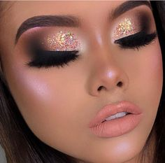 Exceptional Makeup inspiration tips are offered on our site. Take a look and you wont be sorry you did. Makeup Eye Looks, Glam Makeup Look, Goth Makeup, Beautiful Eye Makeup, Simple Eye Makeup, Sexy Makeup, Makeup Inspo, Makeup Inspiration, Beauty Makeup