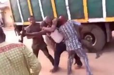 Drama as Suspect Beats the Hell Out of Police Officer Trying to Arrest Him in Lagos http://ift.tt/2A6aUhq