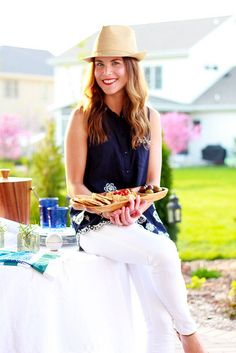 Dressed to Entertain: Mediterranean Dinner | Perpetually Chic