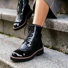 Womens Linzi Black Patent & Nappa Brogue Style Lace Up Military Boot Size UK 6 #Linzi #Combat #Casual Leather Brogues, Combat Boots, Lace Up, Military, Casual, Stitching, Zip, Detail, Black