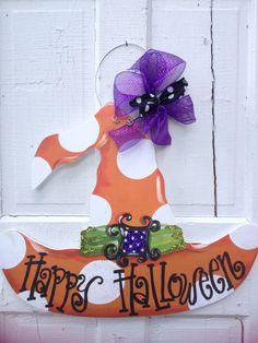 Halloween witch hat door hanger. www.pinderellas.com