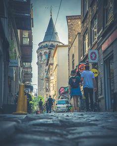 Галатская башня в Стамбуле #Стамбул #башня #Галата Times Square, Travel, Voyage, Trips, Traveling, Destinations, Vacations