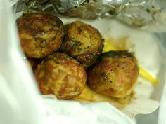 These Potatoes Meatballs with Thermomix are absolutely delicious! You can't stop eating them! This recipe involves boiled potatoes in addition to … Croquettes Recipe, Cant Stop Eating, Lunch Box Recipes, Carne, Foods With Gluten, Appetisers, Meatball, Other Recipes, Healthy Cooking