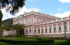 Palacio Imperial de Petropolis - Grão Pará-O Palácio do Grão-Pará localiza-se na cidade de Petrópolis, no estado do Rio de Janeiro, no Brasil.    Originalmente construído como Hospedaria dos Semanários da Corte, veio a ser a residência duma parte da família imperial brasileira.    Situa-se nos fundos do antigo Palácio Imperial de Verão de D. Pedro II (1840-1889).