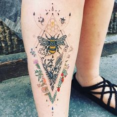 "Bianka Nedbál on Instagram: ""#bumblebee#tattoo#budapest#ink#color#flower#dotwork#beeswax#honey#linework#inked#art"""