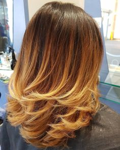 Medium Red To Blonde Ombre Layers Red Blonde Ombre, Brown Ombre Hair, Ombre Hair Color, Ombre Style, Medium Length Hair With Layers, Medium Hair Cuts, Medium Layered Haircuts, Haircut Medium, Layered Hairstyles