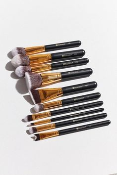 Buff, blend + sculpt to perfection with this deluxe brush set from Bh cosmetics.