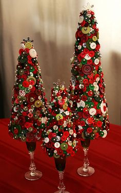 Button Table Top Christmas Trees | #christmas #xmas #holiday #decorating #decor