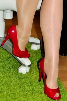 Cute red peep toe pumps combined with shiny tights. Peep Toe Pumps, High Heels Stilettos, Stiletto Heels, School Shoes, Christian Louboutin, Tights, Club, Boots, Red