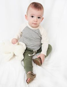 @minimioche 's mission is offering premium organic fashion basics for babies and kids. Check out their online store: https://www.minimioche.com/  Toronto, Ontario