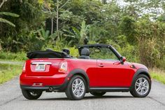 2014 MINI Cooper Convertible- I would like the Mini Copper Cabrio please and thank you Mini Cooper Hardtop, Cooper Car, Mini Cooper Convertible, My Dream Car, Dream Cars, Drag Racing, Dirt Track Racing, Fiat 500 Cabrio, Bmw 2014