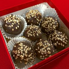 My dear friend, Nancy Eisman of @melissasproduce's blog, #Plantbased411 and her own blog, #AdventuresWithNancyRose, gave me the cutest box of homemade chocolates. She took my Goji-Cranberry Coconut Truffles recipe and spiced them up in observance of the Chinese New Year! Instead of cranberries, she added candied ginger, she then added some cacao nibs, Chinese 5-spice, covered them in dark chocolate, and sprinkled them with toasted sesame seeds. They are so good! Thanks so much, Nancy!  My…