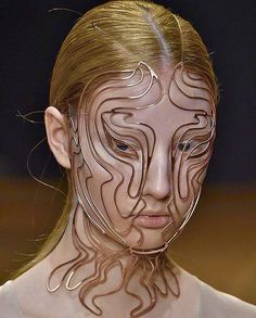 Repost from beautypapersmag obsession The Cellchemy printed face mask from irisvanherpen collection Shift Souls. Face Jewellery, Jewelry Art, Jewelry Design, Piercings, Face Jewels, Iris Van Herpen, Mode Vintage, Face Art, Headdress