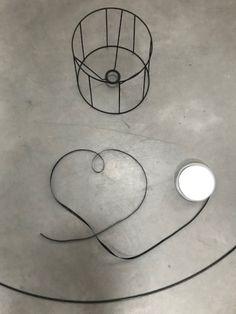DIY suspension ruban – Lifestyle blog Luminaire Vertigo, Lampe Vertigo, Pendant Lamp, Pendant Lighting, Diy Lustre, Diy Suspension, Diys, Kallax, Air Dry Clay