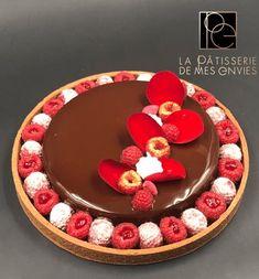 Tarte chocolat - Framboise 2 Paris Desserts, Fancy Desserts, Vegan Desserts, Just Desserts, Gourmet Recipes, Baking Recipes, Patisserie Design, Cake & Co, French Pastries