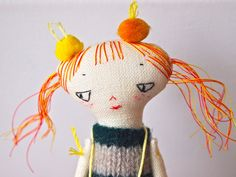 little Oshi doll - love the usage of pompoms!