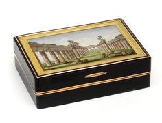 Snuffbox with a micromosaic depicting the ruins of Paestum, 1809-1819, mosaic: Rome, box: France, museum no. Loan:Gilbert.484:1, 2-2008 | The Rosalinde and Arthur Gilbert Collection on loan to the Victoria and Albert Museum, London