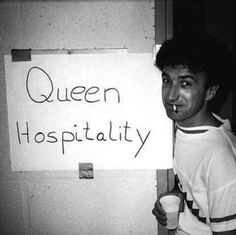 He looks adorable here 😋 Queen Photos, Her Majesty The Queen, I Still Love You, John Deacon, Killer Queen, Music People, I Am A Queen, Freddie Mercury, My Happy Place