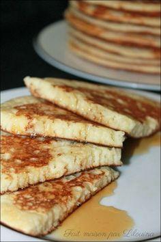 pancakes 250 g de farine 2 oeufs moyens 375 ml de lait (ou lait fermenté, ou yaourt liquide à boire,...) 1/2 càc de sel 1 à 2 càs de sucre roux, ou cassonade 1/2 sachet de levure chimique ou 1 càc de bicarbonate alimentaire 1 sachet de sucre vanillé 50 g de beurre fondu