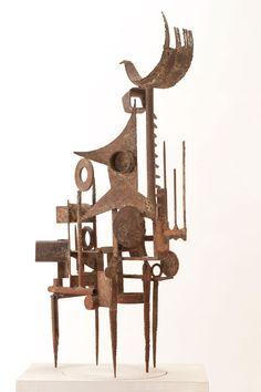 MERCIER – ORTHOGONAL V  « Orthogonal V » de Claude MERCIER (Né en 1924, Paris)   1957   Acier  Pièce unique  116 x 52 x 40 cm