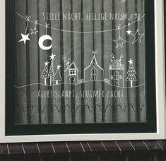 Stille nacht, Heilige nacht, ...... Een van de populairste Kerstliedjes! Maak deze DIY raamdecoratie voor de Kerstmis met dit direct te downloaden sjabloon voor een raamtekening. Dat doe je super simpel door het bestand te downloaden, op te slaan en te printen vanaf je computer.