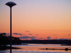 Auringonlaskukuvia ja syksyajatuksia | Pimenevät illat yllättävät aina syksyisin. Seattle Skyline, Celestial, Sunset, Travel, Outdoor, Sunsets, Outdoors, Viajes, Trips