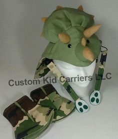 Dinos Tula Triceritops hood dinos reach by CustomKidCarriers Baby Carrying, Pirate Party, Halloween Costumes For Kids, Cloth Diapers, Baby Wearing, Breastfeeding, Baby Car Seats, Baby Kids, Diy Projects
