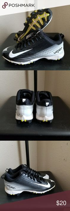 Nike baseball cleats Like new will clean prior to shipping. Nike Shoes