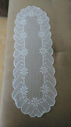 Crochet Table Runner Pattern, Free Crochet Doily Patterns, Crochet Placemats, Crochet Diagram, Filet Crochet, Crochet Doilies, Crochet Flowers, Rose Tattoos For Women, Flower Embroidery Designs