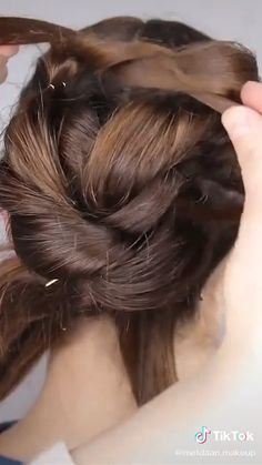 Easy Hairstyle Video, Super Easy Hairstyles, Bun Hairstyles For Long Hair, Braided Hairstyles, Vintage Hairstyles, Short Hair Makeup, Blonde Hair Makeup, Wedding Hair And Makeup, Medium Hair Styles