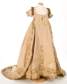 Dress, 1790s. @Shannan Daley I love the detailing.