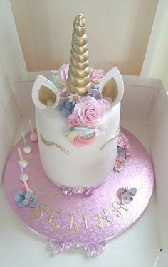Unicorn cake #hallaboutthecake