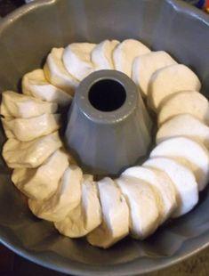 Biscuit Cinnamon Rolls, Cinnamon Roll Monkey Bread, Cinnamon Roll Waffles, Pilsbury Biscuit Recipes, Grand Biscuit Recipes, Refrigerated Biscuit Recipes, Bisquit Recipes, Baking Recipes, Dessert Recipes