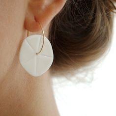 L i s e Flower porcelain earrings White & gold filled by byloumi, €40.00