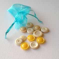 12 Sunny Vintage Medium Buttons  Yellow and by GrannieBunting, £4.50
