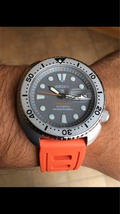 Most Comfy Seiko black rubber strap? (Watch U Seek Forum) Big Watches, G Shock Watches, Stylish Watches, Luxury Watches, Cool Watches, Seiko Skx, Seiko Watches, Watches Photography, Vintage Watches For Men